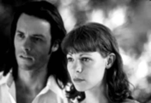 Guy Pearce and Lili Taylor dither without smoldering