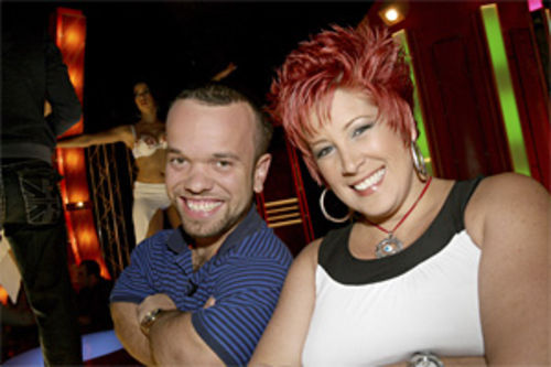 Juan Espinosa, a little person; and Kary Bernal, a prickly character, are two of the show's stars.