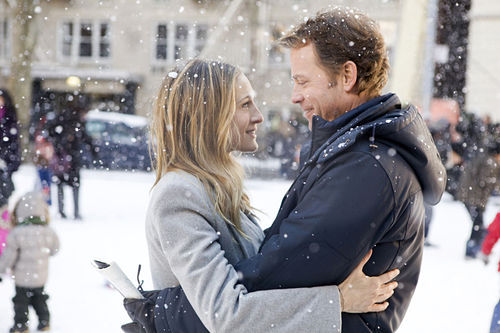 Sarah Jessica Parker and Greg Kinnear in I Don't Know How She Does It.