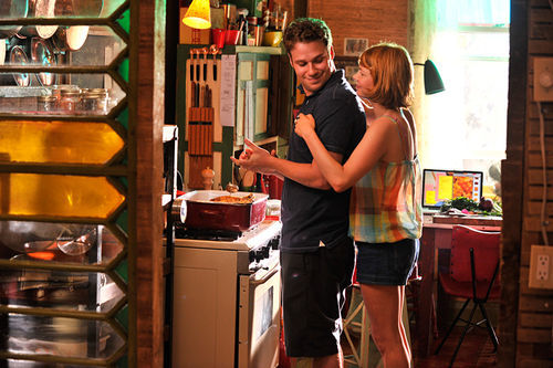 Seth Rogan and Michelle Williams in Take This Waltz.