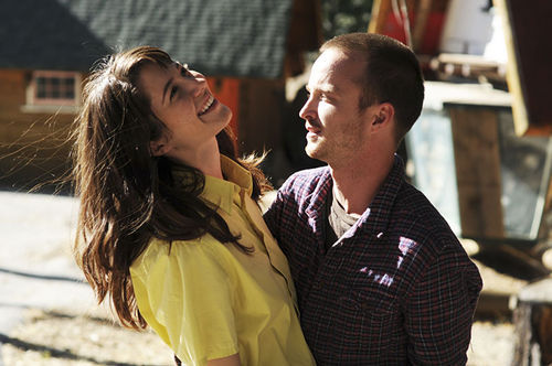 Mary Elizabeth Winstead as Kate Hannah and Aaron Paul as Charlie Hannah in Smashed.
