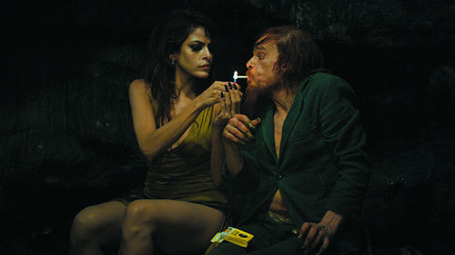 Eva Mendes and Denis Lavant