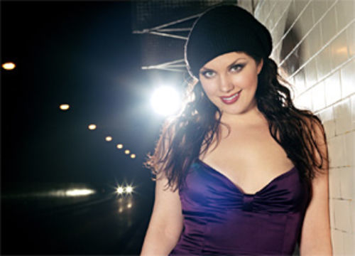 Jane Monheit makes her contemporaries look as fluffy as their fat-free espresso drinks