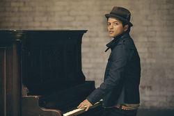 Bruno Mars might be pretty, but don't call him wimpy.