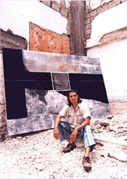 Art among the ruins: Nelson Diaz unveils his work
