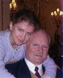 Elena and Bruce in an undated photograph before their wedding. According to Elena, Linda took this photo while the three were at the Ritz-Carlton in London