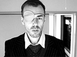 Momus patches himself into the information age