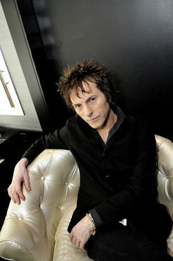Share a backstage cocktail with GNR's Tommy Stinson.