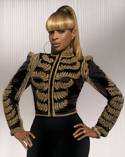 Queen diva Mary J. Blige does Jazz in the Gardens.