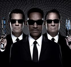 Josh Brolin, Will Smith, and Tommy Lee Jones
