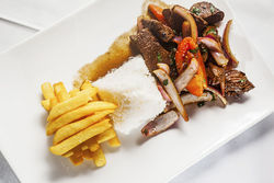 Lomo saltado tradicional