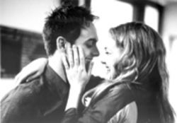 Stuart Townsend plays God's gift to Kate Hudson