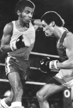 At age sixteen Delis (left) fought as part of the Cuban national team at a 1982 amateur competition in Reno, Nevada