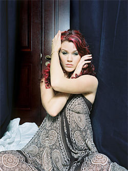 Joss Stone &quot;woke up in the U.K. one day and stumbled over Aretha Franklin