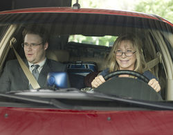 Seth Rogen as Andrew Brewster and Barbra Streisand as Joyce Brewster in The Guilt Trip.