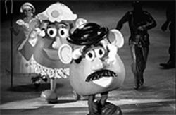 Don't call them freedom fries yet: Mr. and Mrs. Potato Head skate through Disney on Ice