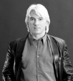 Look into my eyes and swoon to my baritone: Dmitri  Hvorostovsky entrances the audience Thursday